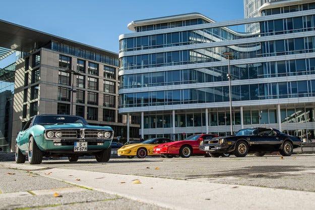 Четири поколения Pontiac Firebird
