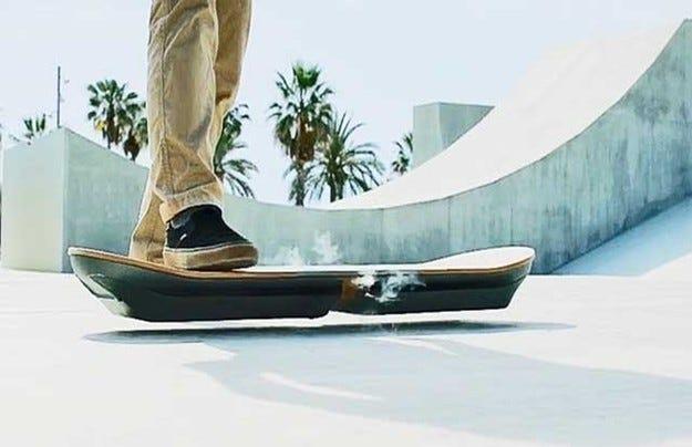 Японската компания Lexus представи летящия скейтборд