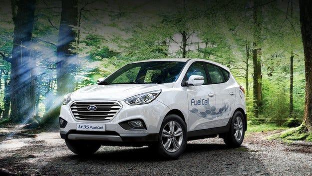 Водородният Hyundai ix35 Fuel Cell се превръща в сериен