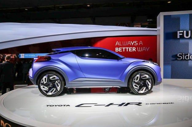 Toyota представя нов компактен кросоувър през 2016 г.