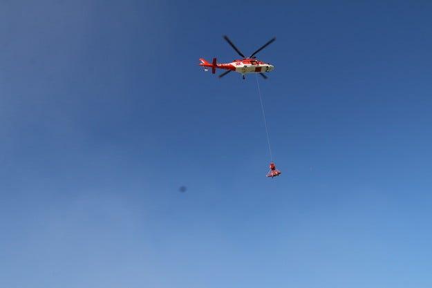 """Хеликоптерът на """"Активна грижа"""" спаси водолаз"""