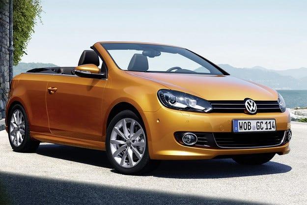Немската компания Volkswagen обнови кабриолета Golf