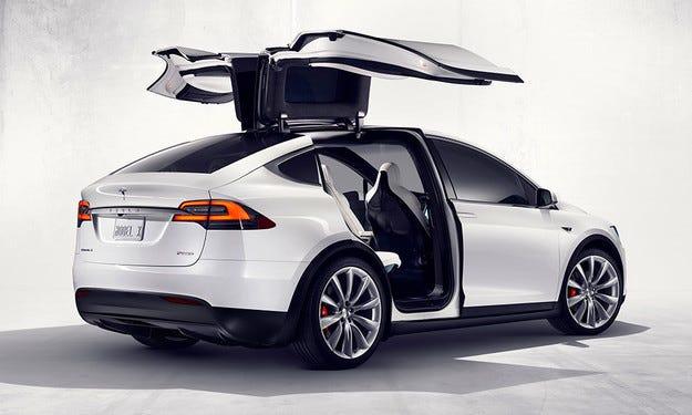 Компанията Tesla разкри отчасти кросоувъра Model X