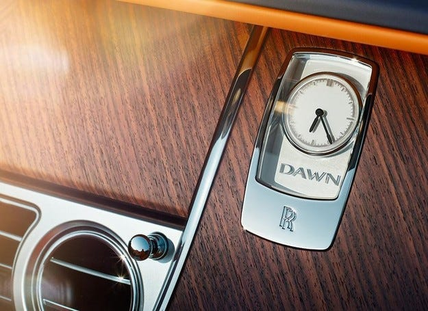 Rolls-Royce пусна първите снимки на кабриолета Dawn