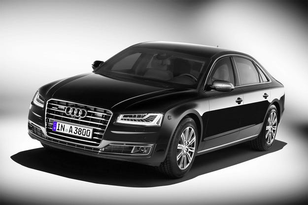 Audi A8 L Security: Луксозен седан дори брониран