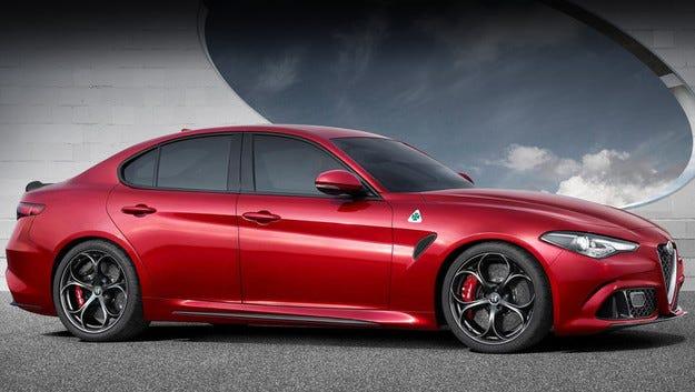 Разкриха двигателната гама на седана Alfa Romeo Giulia