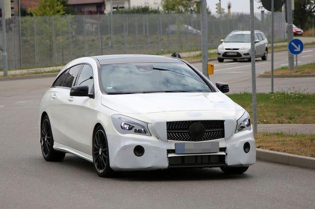 Mercedes CLA: Обновеният модел дебютира през март 2016