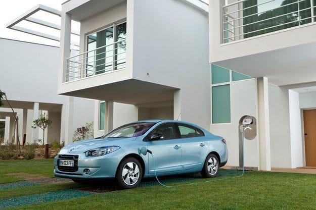 Френската компания Renault се кооперира с Dongfeng