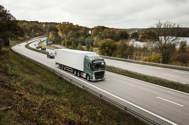 Volvo Trucks представя уникална комбинация