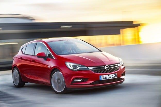 Opel Astra с българска премиера на салона в София