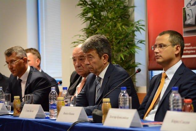Бизнесът очаква ръст до 12% след Автосалон София 2015