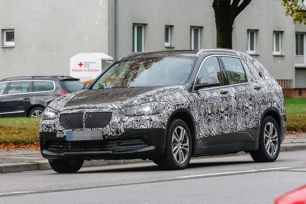 Новият седемместен BMW X1 с повече пространство
