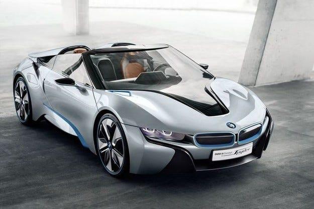 Хибридният модел BMW i8 ще получи открита версия