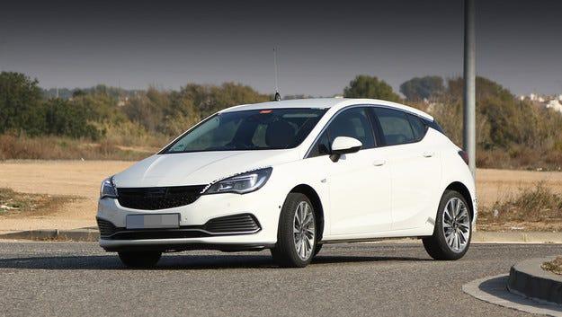 Хечбекът Opel Astra GSi може да се появи догодина
