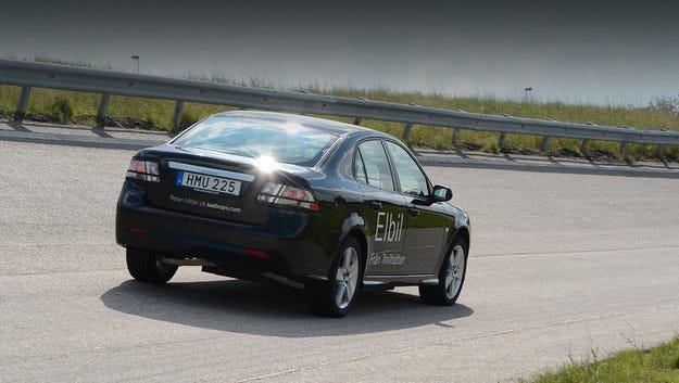Saab ще доставя 150 000 електромобила на китайци