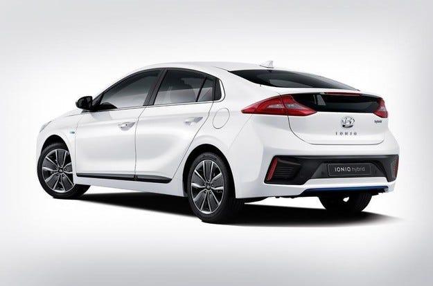 Hyundai IONIQ: Скок напред за хибридните автомобили