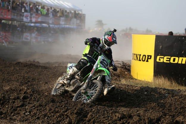 Dunlop представя нови размери от победителя в MXGP