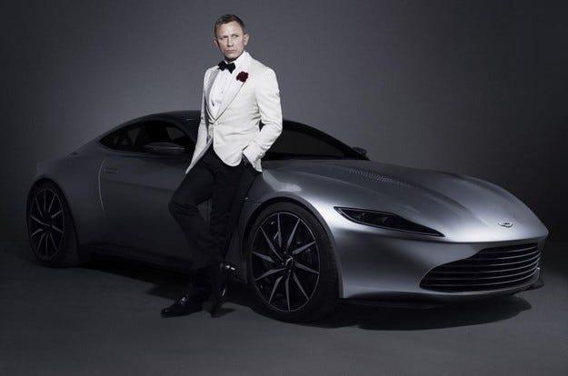 Aston Martin DB10 на Джеймс Бонд е обявен на търг
