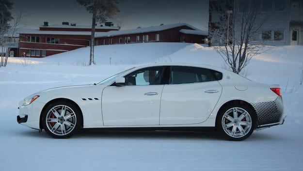Обновеният седан Maserati Quattroporte тръгна на тестове