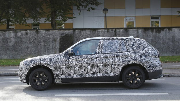 Горещата версия на кросоувъра BMW X3 ще получи 500 к.с.