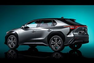 Предсерийният концепт Toyota bZ4X (2021)