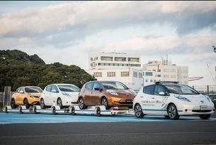 Nissan: Автономен влекач на автомобили