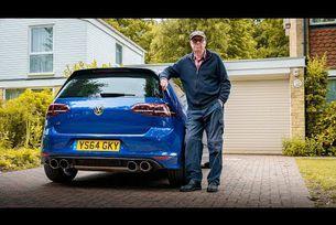 75-годишен пенсионер кара Volkswagen Golf