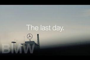 Mercedes и BMW се рекламират взаимно за Коледа